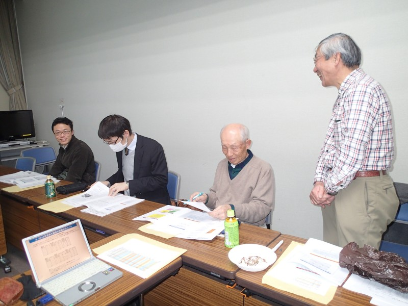 47-②黒田先生(左)も参加P1110066